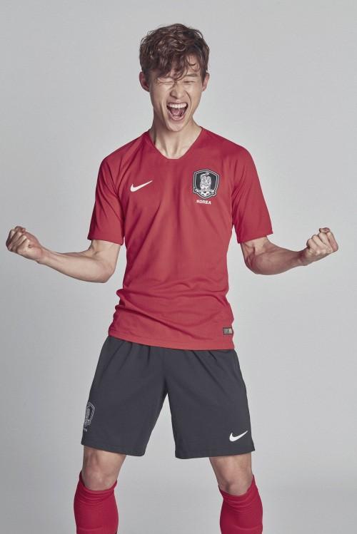 한국 축구 새 유니폼 '쏟아지는 혹평' 이유는