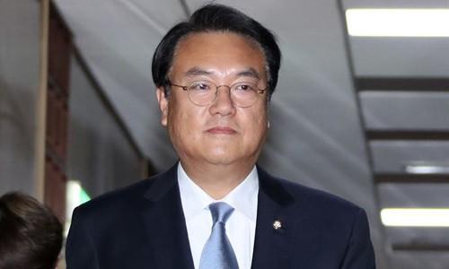 """한국당 정진석 """"소득주도 성장 정책 실체는 무엇인가"""""""