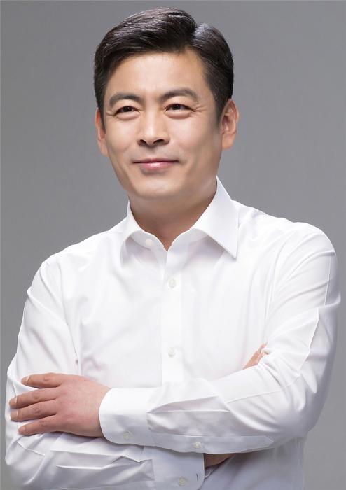 로엔, '카카오M'으로 사명 변경…이제욱 신임 대표 선임