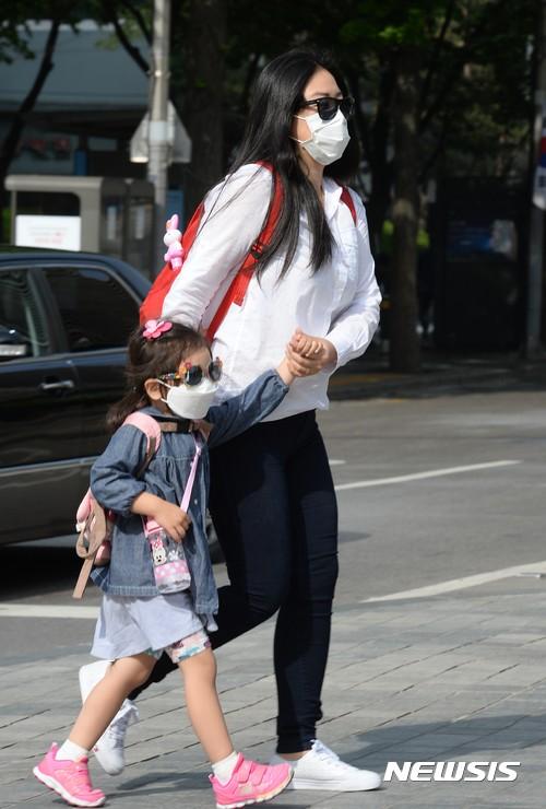 봄소풍, 마스크 쓰고 가세요…미세먼지 농도 '나쁨'
