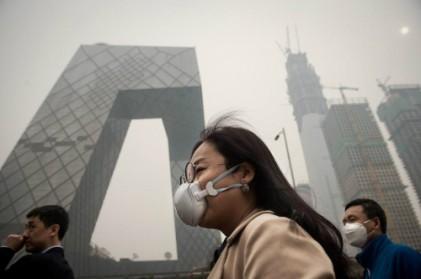 갈수록 심해지는 대기오염…중국 지하철에선 방독면이 필수