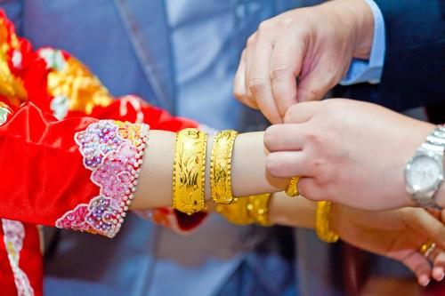 돈은 남자가 벌고, 관리는 여자가…중국여성의 지위는?