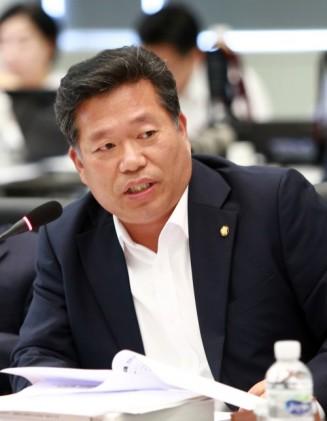 '학교급식에 국내산 우선사용, GMO 금지' 김종회 의원 대표발의