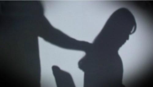 신입, 임신부 가리지 않고 여직원 23명 성추행한 60대 복지관 관장