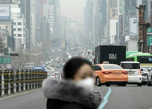 오늘(23)일 미세먼지 수도권·강원영서·충청권서 '나쁨', 전북·영남권은 오전 '나쁨'