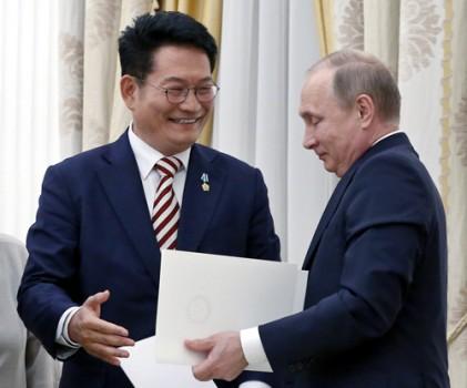 """푸틴 """"北에 특사 파견 용의 있다"""""""