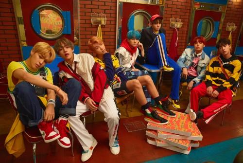 BTS, 아이돌차트 3월 둘째주 팬투표 '평점랭킹' 1위 차지