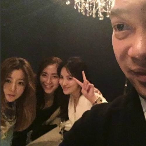 이찬오 레스토랑 방문한 연예인들…김희선부터 송혜교까지?