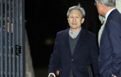 '사이버사 여론조작' 김관진 구속 11일 만에 석방