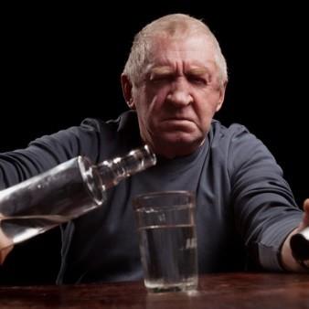 고령 알코올 중독 환자, 뇌 손상 위험 높아