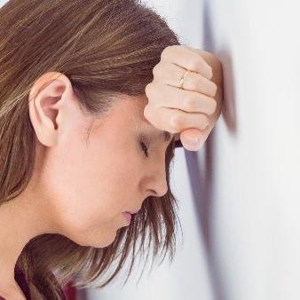 심한 스트레스로 시작하는 '공황장애' 증상과 극복방법