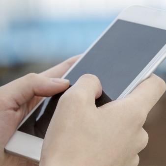 당신도 '스몸비'? 스마트폰 중독, 일상생활 사고 부른다