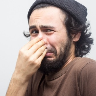 고약한 입냄새 지속한다면? 연령대별 다른 원인
