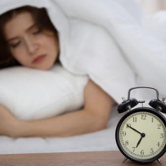 아침에 알람 소리가 전혀 안 들리는 이유는?