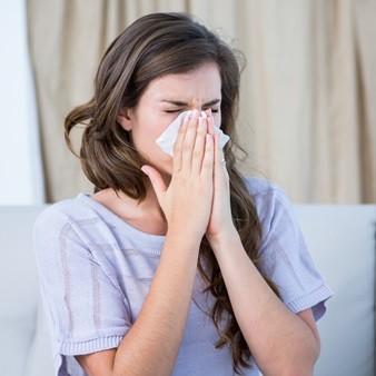 알레르기 비염은 못 고친다고요~?
