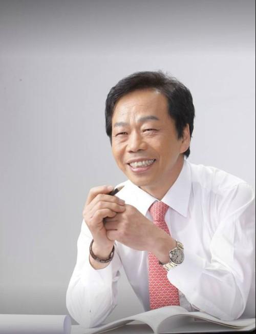 """檢, 정자법 위반 이완영 징역 6개월 구형· 李 """"빌린 적 없고 공소시효 지나"""""""