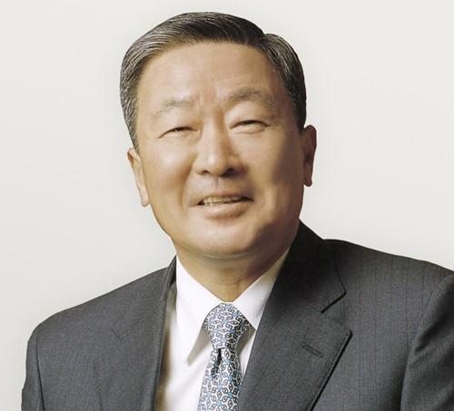 LG 구본무 회장, 총기사고 병사 유족에 위로금