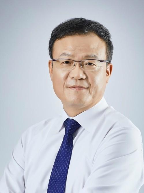 KT&G 백복인 사장 연임 성공 외