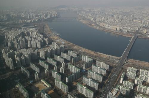서울 아파트값 지난해 크게 상승…비수도권은 하락세