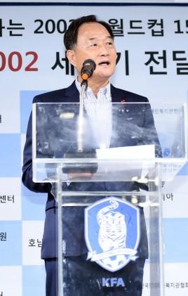 """김호곤 새 기술위원장 """"차기 감독, 국내 감독 중 선임"""""""