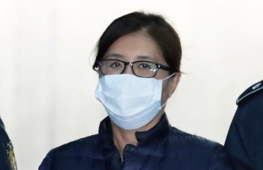 """檢, 최순실 징역 25년 구형…""""반성 원하는 국민 가슴에 상처"""" 엄벌 요구"""