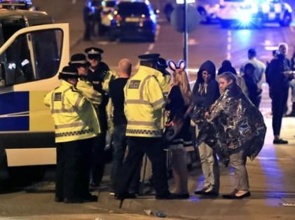 英 경기장서 '폭탄테러'…어린이 등 20여명 사망