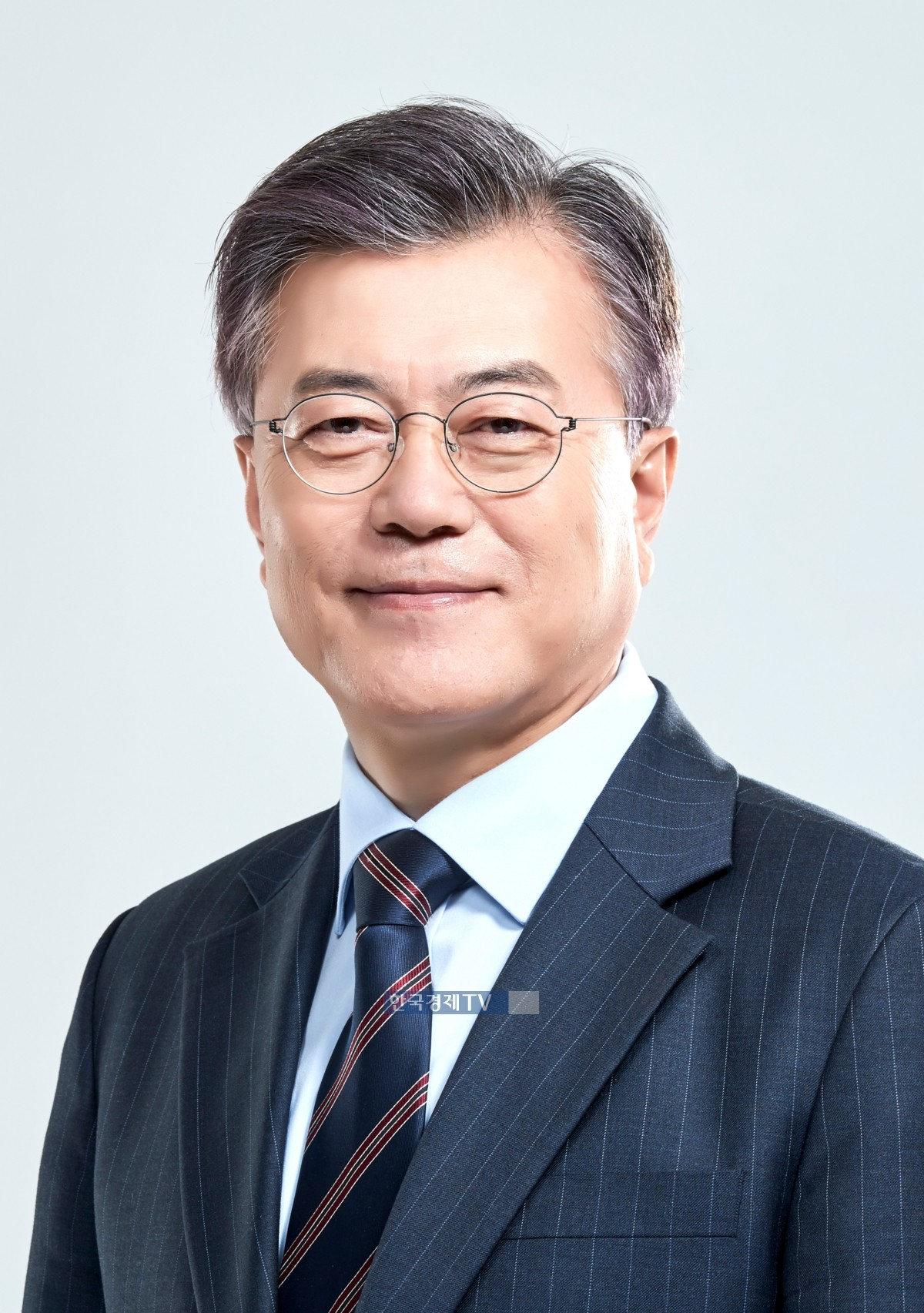 """문재인 대통령 """"이명박 전 대통령 정치보복 운운에 분노"""""""