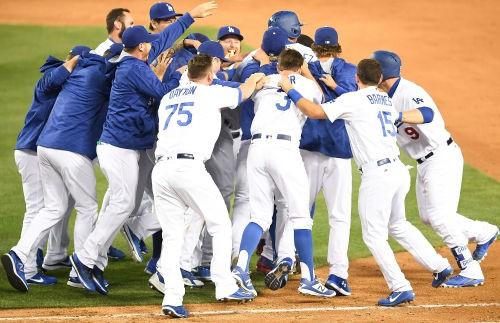 밸린저 신인최다홈런 새기록! 다저스, 5년 연속 지구우승