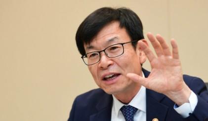 """김상조 """"재벌개혁 마냥 기다릴 순 없어… 변화 없을 땐 모든 수단 동원"""""""