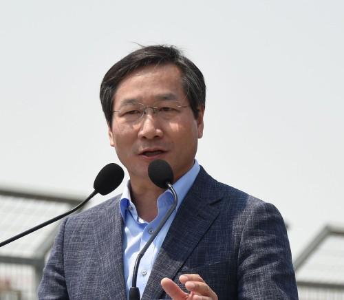 축구 지도자 '봉'입니까…인천 '조건부 계약서' 논란