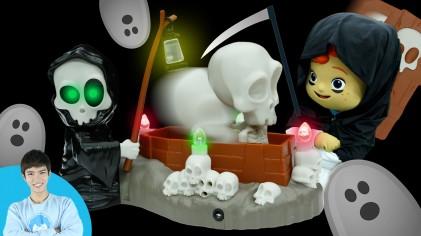 저승사자의 집을 탈출하라! 캐빈과 꼬마캐리의 저승사자 몰래 촛불끄기 게임 l 캐리앤 플레이