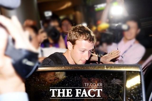 마크 저커버그, 페이스북 정보 유출 파문 나흘 만에 침묵 깼다