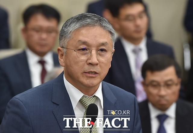 정무위 국감 출석한 함영준 오뚜기 회장