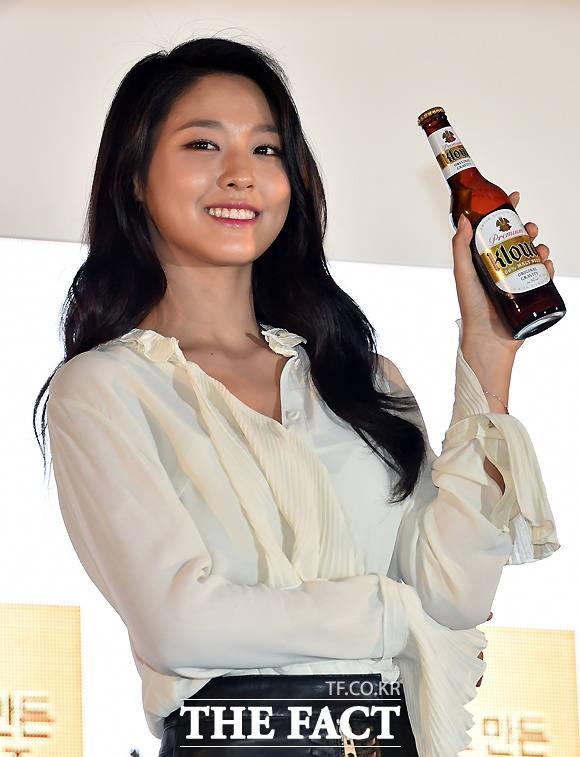 설현, 여자 광고모델 브랜드평판 1위… 2위 아이유·3위 김지원