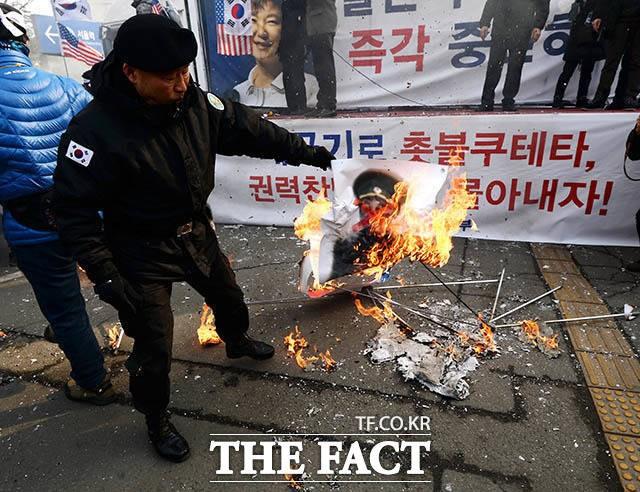 천안함 유족이 정부의 '김영철 방남' 결정에 화난 이유
