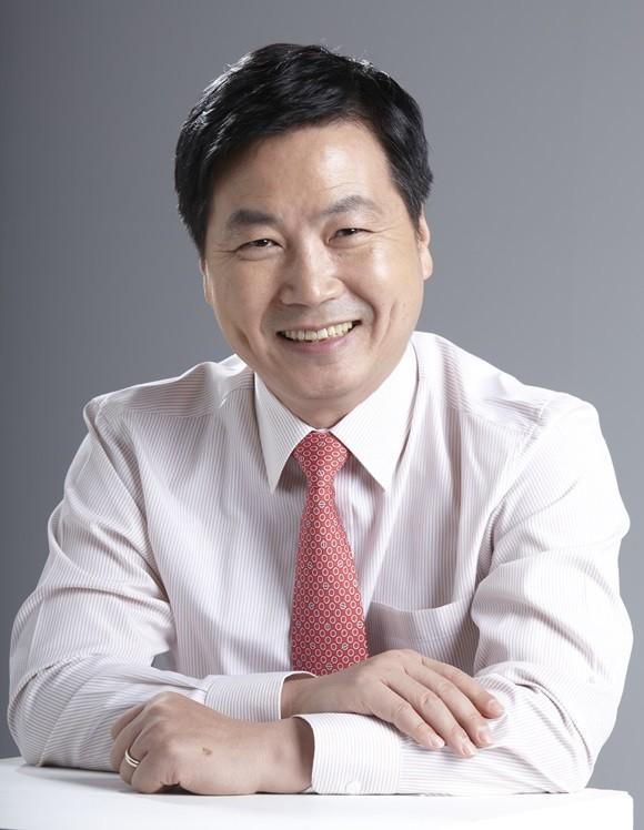 <속보> 文대통령, 중소벤처기업부 장관 후보자에 홍종학 지명