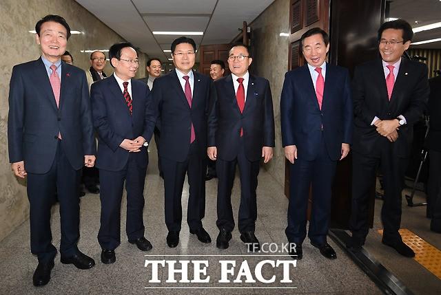 자유한국당 이끌 원내지도부는 누구?