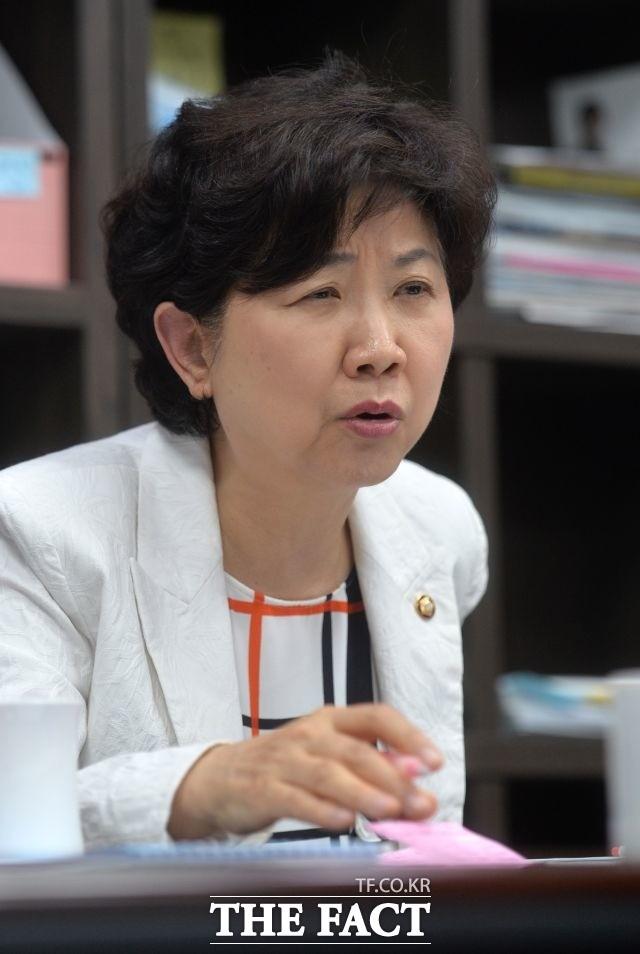 박인숙 의원 '탈당' 유승민·안철수 '통합'도 적신호