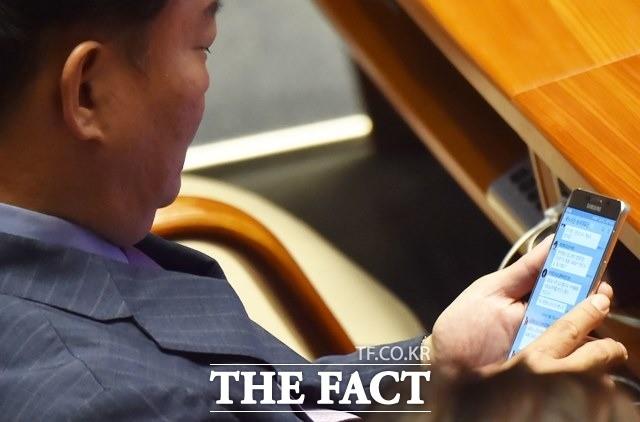 민경욱 자유한국당 의원, 민간인 사찰?
