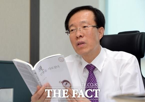 이석연, 서울시장 선거 불출마…한국당 인물난 심각