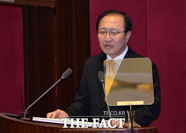 한국당, 노회찬 채용청탁 의혹 제기… 역풍될까?