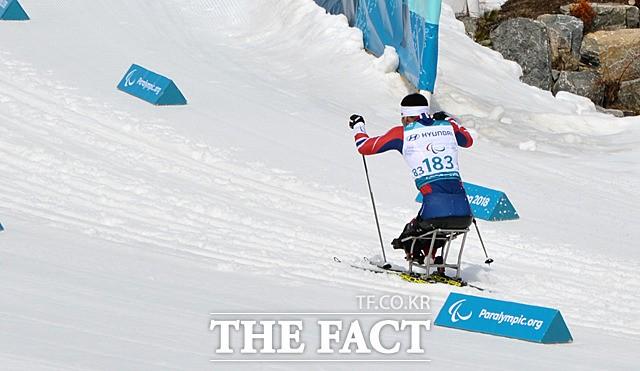 한국 동계패럴림픽 새 역사 쓴 '신의현의 역주'