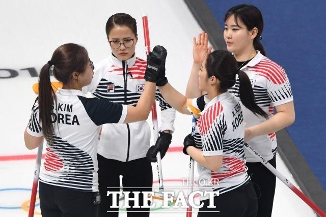 <속보> 여자 컬링 한일전…대한민국 1엔드 3득점