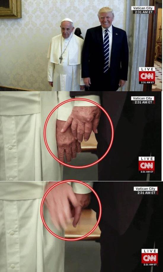 프란치스코 교황 향한 트럼프 대통령 은밀한 손?