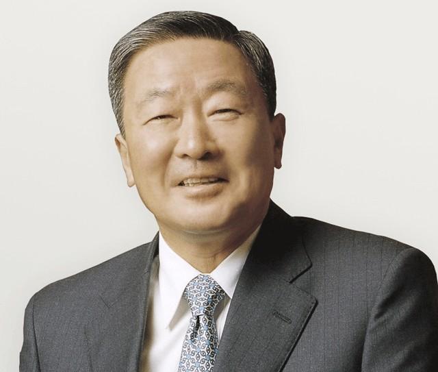 구본무 LG 회장, 철원 총기 사고 유가족에게 사재 1억 원 전달