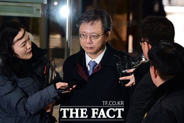 세 번째 구속 갈림 길 선 우병우, '불법사찰 지시' 영장심사…운명은?