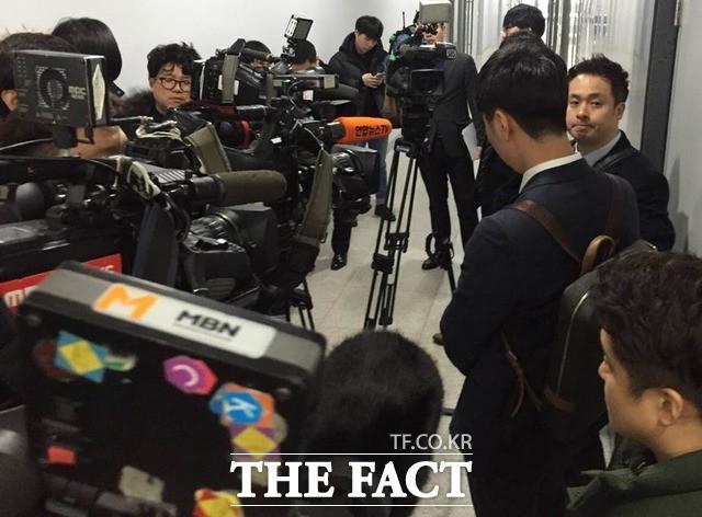 기자들과 '충돌'로 번진 홍준표의 MBN 취재거부 (영상)