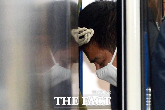 """경찰 """"이영학, 아내 성매매 강요·폭행에 후원금 편취""""···혐의 추가 송치"""