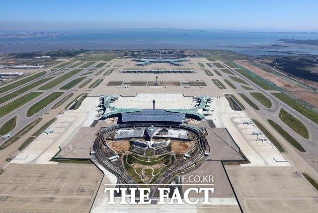 '빠르게 편하게 즐겁게' 개장 앞둔 인천공항 제2여객터미널 가보니