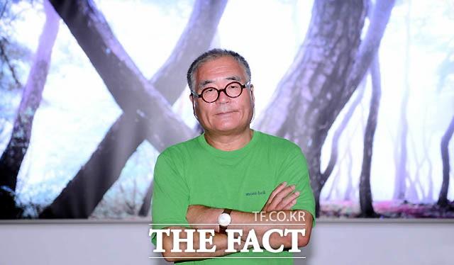 유명 사진작가 배병우, 제자 상습 성추행 의혹